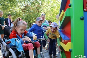 "The student made the ""Magical House"" for the special children of Volzhsky"